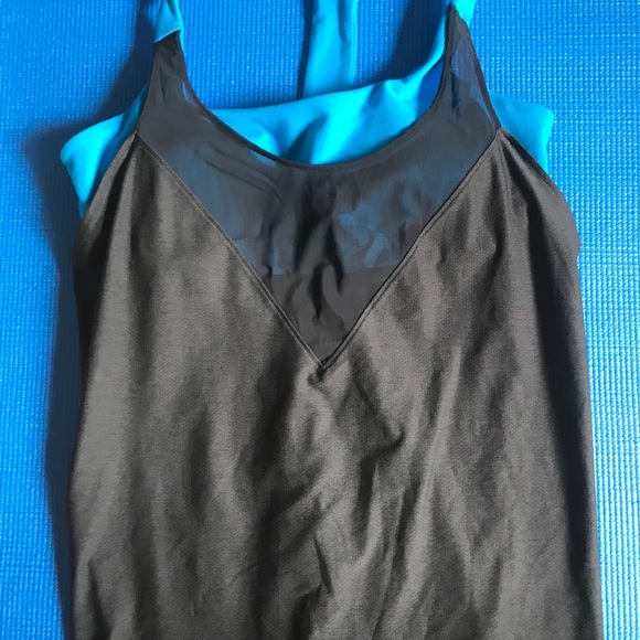 Under Armour Tank with Bra size Small